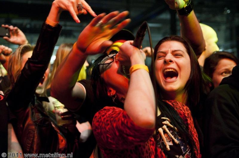 Dwarves laat het publiek meezingen @ Speedfest, 10-11-2011
