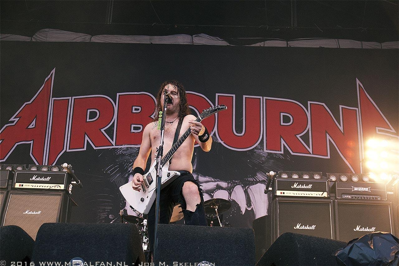 Airbourne @ Into The Grave 2016