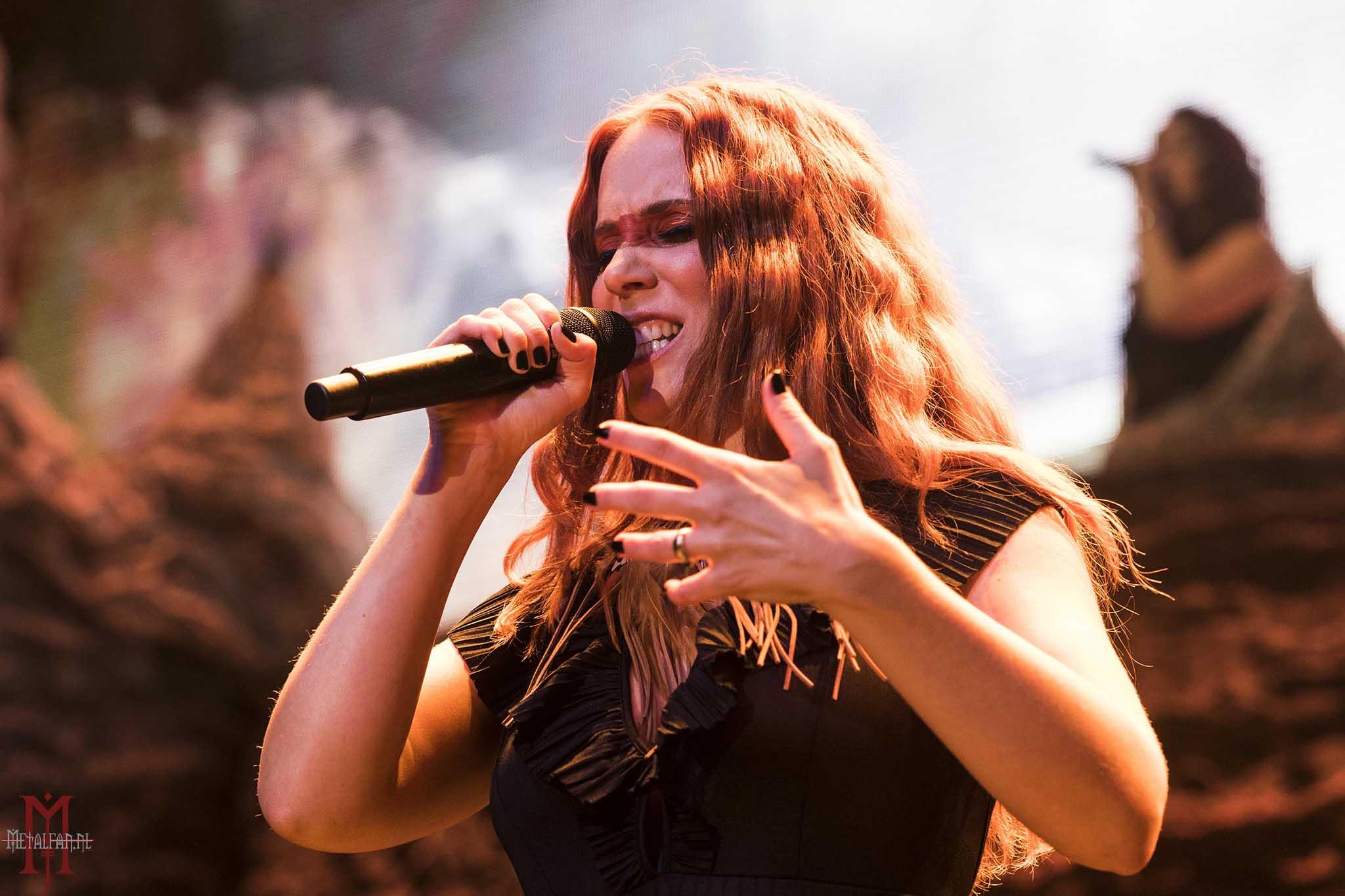 Simone Simons (Egyptian) @ Ayreon - Electric Castle Live and Other Tales, 14-9-2019, Tilburg